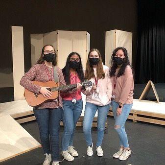 Katie Shanks, Alisha Sheikh, Abi Johnson, and Katherine Alvarez during Singing Valentines 2021